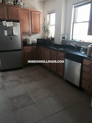 Mission Hill Apartment for rent 4 Bedrooms 1 Bath Boston - $3,850