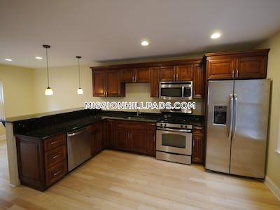 Fort Hill Apartment for rent 4 Bedrooms 2 Baths Boston - $3,650